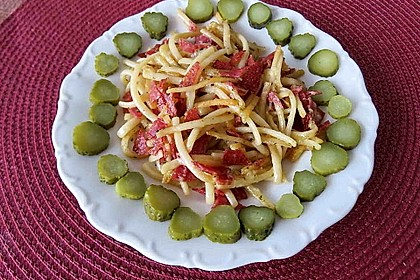 Nudeln mit Salami und Käse 1
