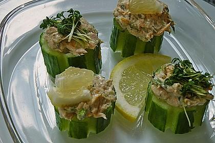 Thunfisch-Kräutercreme in Gurkenbissen 1