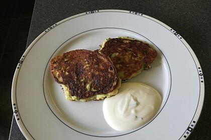 Zucchini-Topfen-Laibchen 1