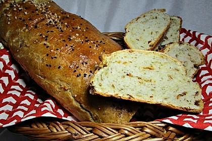 Zwiebel-Kräuter-Brot nach Fiefhusener Art 1