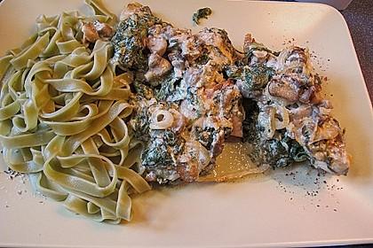 Hähnchenbrustfilets unter Spinat in Gorgonzolasauce 1