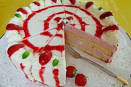 Erdbeer-Joghurt-Sekt-Torte 3