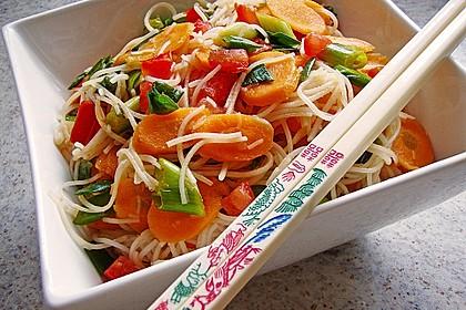 Asiatischer Glasnudelsalat süß-sauer