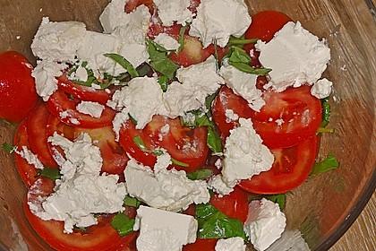 Tomaten-Carpaccio mit gebackenem Ziegenkäse 12