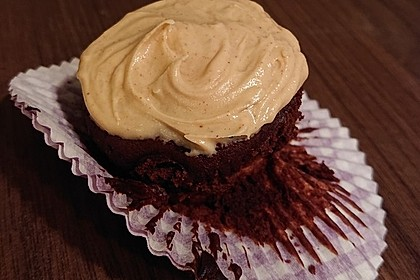 Vegane Schoko-Erdnussbutter-Cupcakes (Bild)