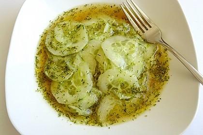 Gurkensalat  oder Gurkenkaltschale 1