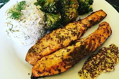 Gebackener Lachs mit Senf-Dill-Guss 8