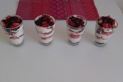 Oreo-Erdbeer-Trifle 10