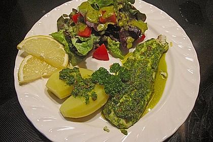 Fisch mit Peperoni-Petersilienmarinade (Bild)