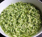 Zucchinisalat leicht und würzig (Bild)