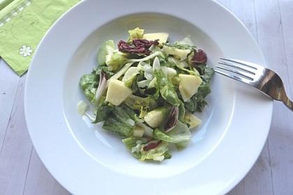 Apfel-Endivien-Salat mit Senfdressing 7