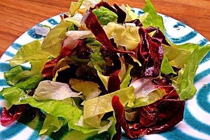 Apfel-Endivien-Salat mit Senfdressing 8