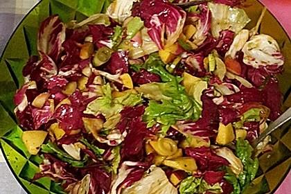 Apfel-Endivien-Salat mit Senfdressing 13