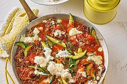 Sommergerichte Zucchini : Zucchini hackfleischpfanne mit feta von viniferia chefkoch