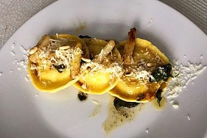 Ravioli, gefüllt mit Ricotta und Ziegenfrischkäse 6