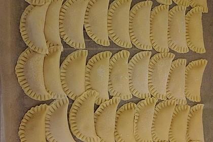 Ravioli, gefüllt mit Ricotta und Ziegenfrischkäse 15