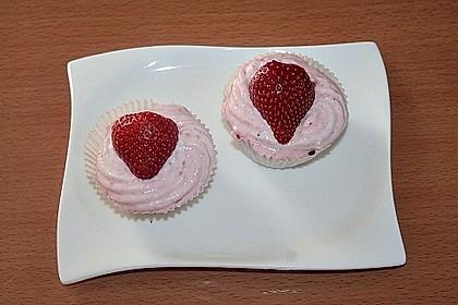 Erdbeer-Cupcakes mit Erdbeer-Mascarpone Frosting 14