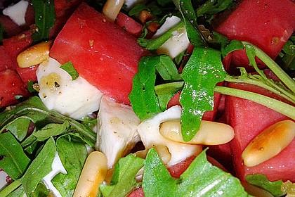 Erfrischender Sommersalat mit Wassermelone und Rucola 10