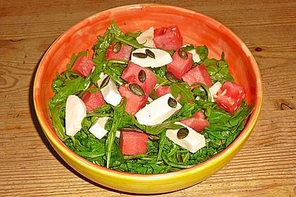 Erfrischender Sommersalat mit Wassermelone und Rucola 11