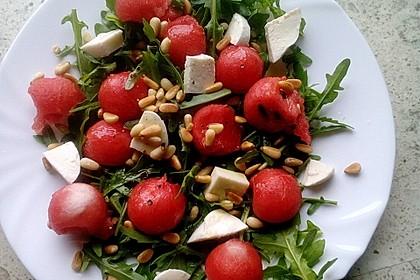 Erfrischender Sommersalat mit Wassermelone und Rucola 13