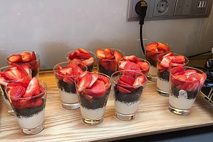 Erdbeer-Kokos-Dessert 27