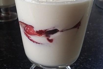 Erdbeer-Kokos-Dessert 14