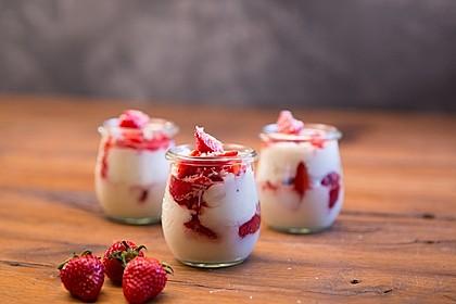 Erdbeer-Kokos-Dessert 1