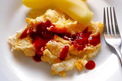 Ketchup mit Ei und Kartoffeln (Bild)
