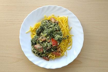 Nudeln mit Spinat, Schafskäse und Tomate 44