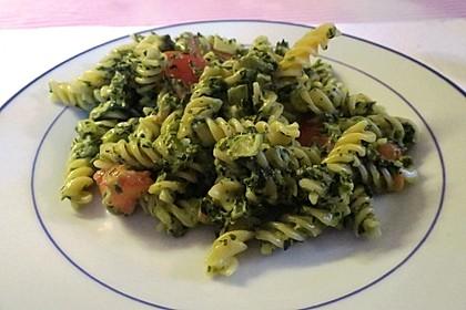 Nudeln mit Spinat, Schafskäse und Tomate 54