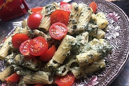 Nudeln mit Spinat, Schafskäse und Tomate 67