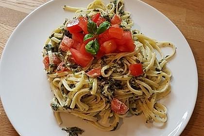 Nudeln mit Spinat, Schafskäse und Tomate 2