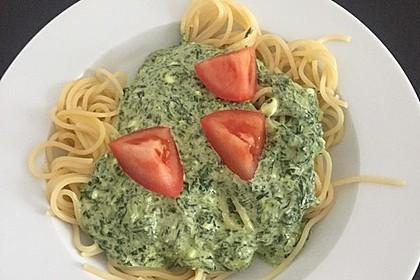 Nudeln mit Spinat, Schafskäse und Tomate 49