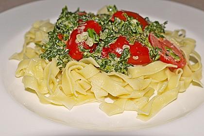 Nudeln mit Spinat, Schafskäse und Tomate 17
