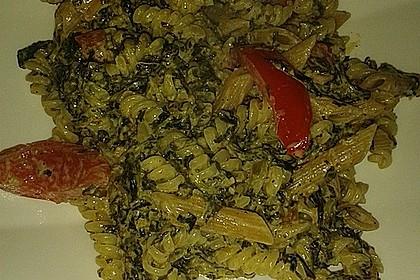 Nudeln mit Spinat, Schafskäse und Tomate 71