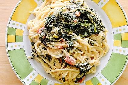 Nudeln mit Spinat, Schafskäse und Tomate 7