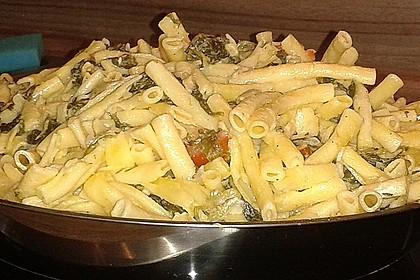 Nudeln mit Spinat, Schafskäse und Tomate 59