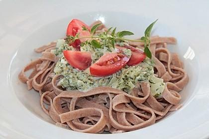 Nudeln mit Spinat, Schafskäse und Tomate 64
