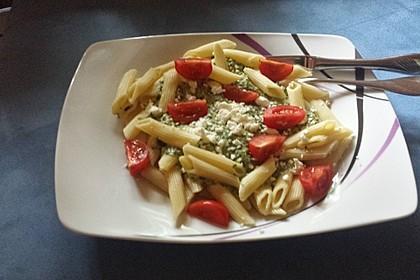 Nudeln mit Spinat, Schafskäse und Tomate 56