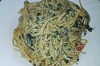 Nudeln mit Spinat, Schafskäse und Tomate 63