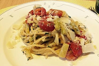 Sehr aromatische Pasta mit grünem Spargel 6