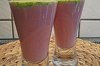 Erdbeer-Creme mit süßem Basilikumpesto 2