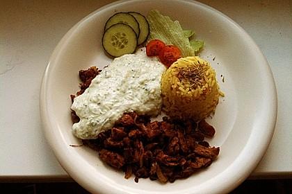 Vegetarisches Gyros mit Tzatziki