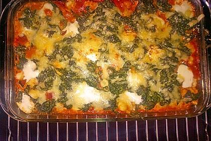 Gnocchi-Auflauf mit Tomatensoße, Gorgonzola und Blattspinat