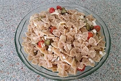 Gesunder Dinkelnudel-Salat
