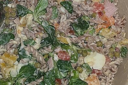 Gesunder Dinkelnudel-Salat 1