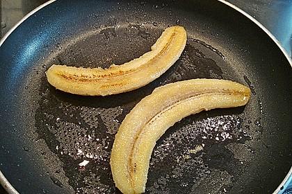 Exotische Möhren-Orangen-Suppe mit gebratener Banane 5