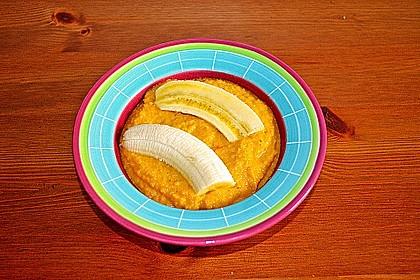 Exotische Möhren-Orangen-Suppe mit gebratener Banane 1