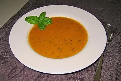 Leichte Zucchini-Tomaten Suppe 3