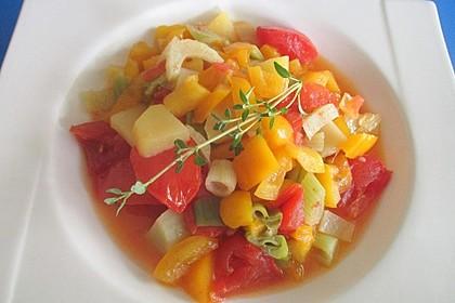 Gemüsepfanne mit Kartoffel, Chili und Knoblauch
